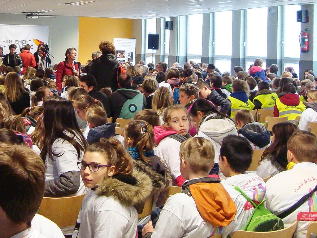 Le CCE est le Conseil Communal des Enfants. Il encadre des enfants de 9 à 12 ans.